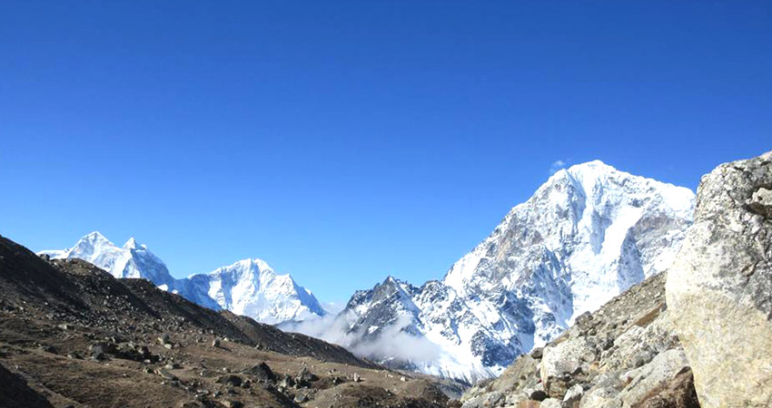 Everest base camp trek weather in September, October and November  – autumn
